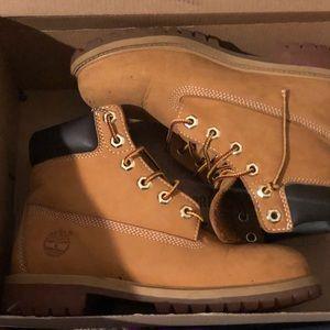 Timberland boots size 3.5 boys
